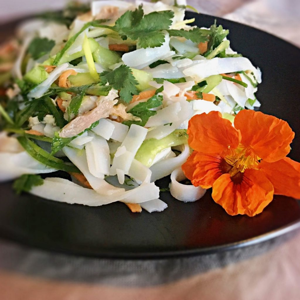 Easy Vietnamese Chicken Salad with Rice Noodle | cookglobaleatlocal.com