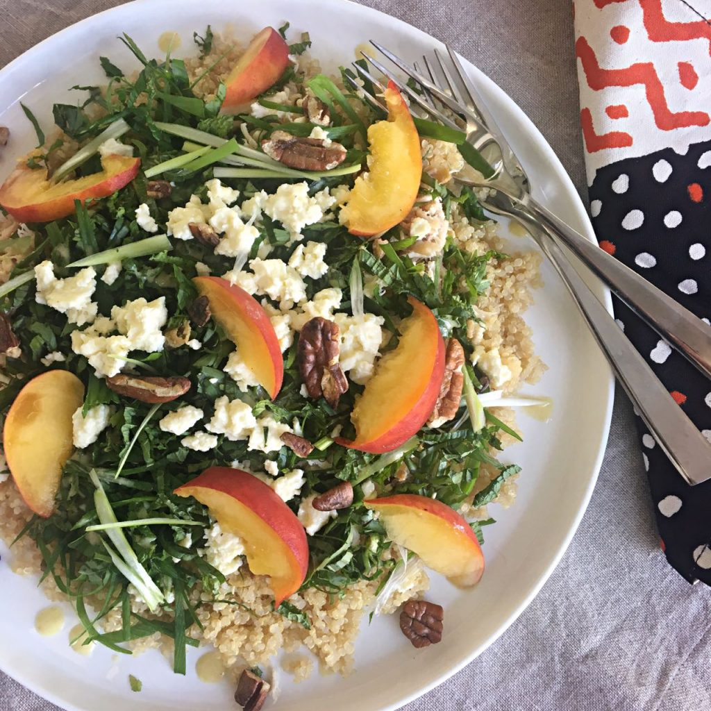 Herbed Chicken Quinoa Salad with Peaches and Feta | cookgloballeatlocal.com