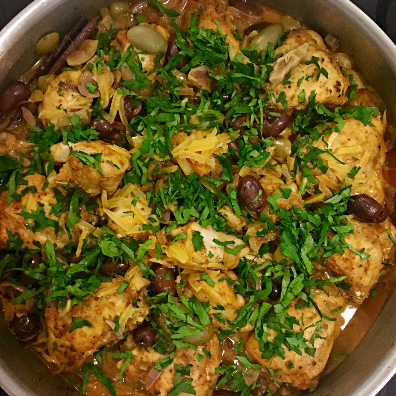 Moroccan chicken tagine with olives and preserved lemon cook moroccan chicken tagine with olives and preserved lemon forumfinder