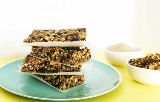 Healthy, Chewy Granola Bars with Less Fat and Sugar