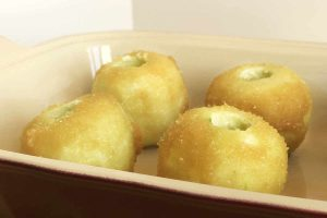 Rich, Creamy Baked Apples with Mughlai Flavours | cookglobaleatlocal.co,
