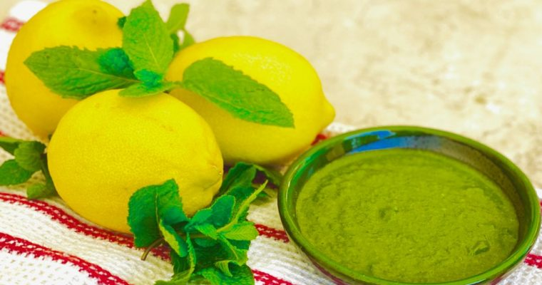 Fresh, Spicy Mint Chutney | cookglobaleatlocal.com